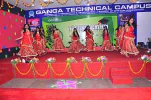 GARBA GROUP DANCE