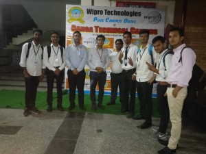 SELECTED STUDENTS IN WIPRO